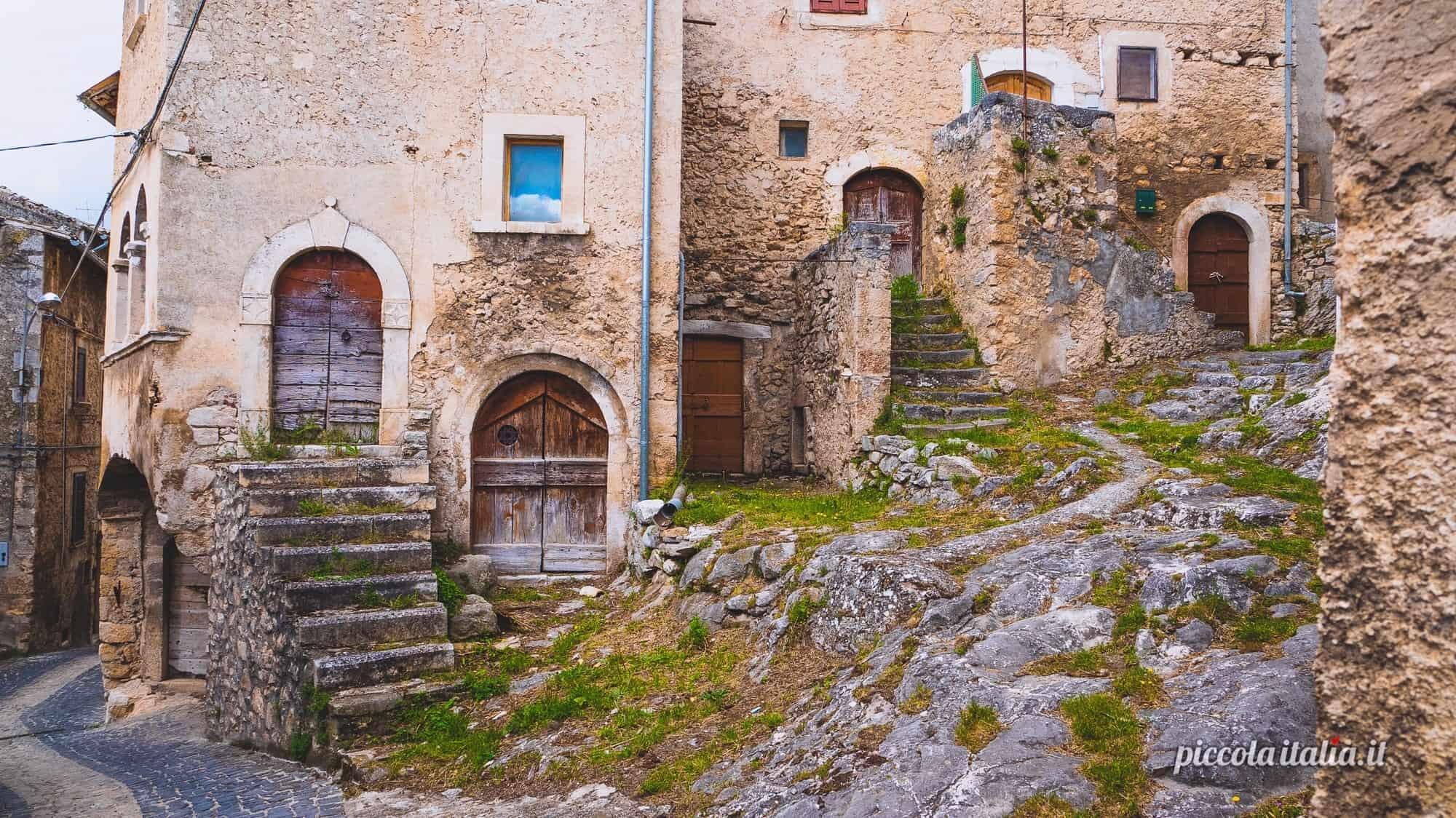 Navelli, uno scorco delle antiche case